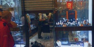 Policía investiga robo de joyería al interior del mall Parque Arauco