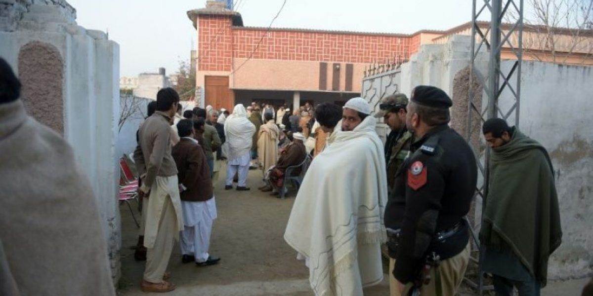 Pakistán: ¿Por qué los profesores quieren ir armados?