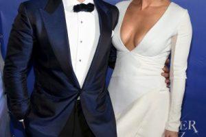 Y con este vestido sorprendió en el coctél posterior al primer show Foto:Getty Images. Imagen Por: