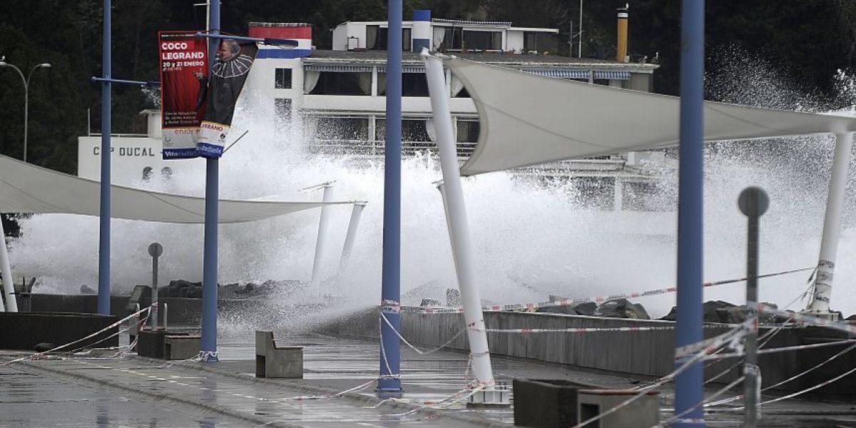 Armada custodia borde costero de Viña del Mar producto de marejadas