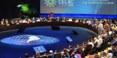 Pobreza en Latinoamérica y paz en Colombia centran cumbre de Celac