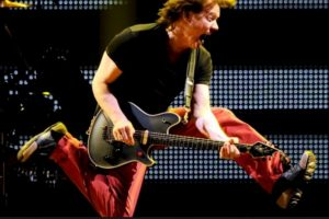 8. Eddie Van Halen. Foto:Getty Images. Imagen Por: