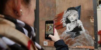 Este es el video que Bansky insertó en su último graffiti