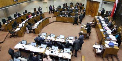Senado aprueba proyecto que regulariza beneficios a estudiantes y trabajadores de la educación