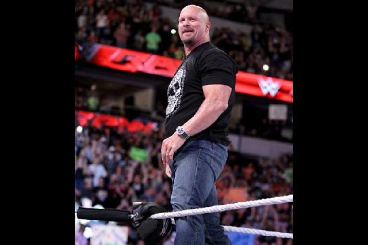 """La """"Serpiente Cascabel"""" aparece en el promocional del magno evento Foto:WWE. Imagen Por:"""