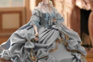 Tal y como aparece en sus cuadros antes de estar en el Petit Trianón Foto:Mattel. Imagen Por: