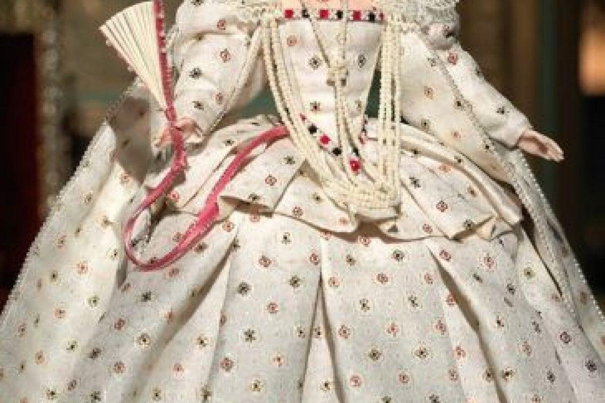 La Barbie de la reina Isabel I Foto:Mattel. Imagen Por: