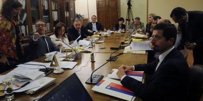 Diputados de RN entregaron en La Moneda informe de la comisión Caval