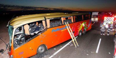 Violento choque entre bus y camión deja seis fallecidos en la Ruta 5 Norte