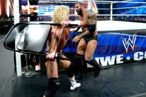 """Le buscan acomódo en la """"Vitrina de los Inmortales"""". Foto:WWE. Imagen Por:"""