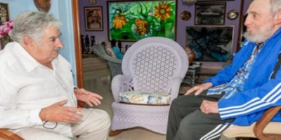 Cuba: Fidel Castro reaparece en reunión con el ex presidente José Mujica