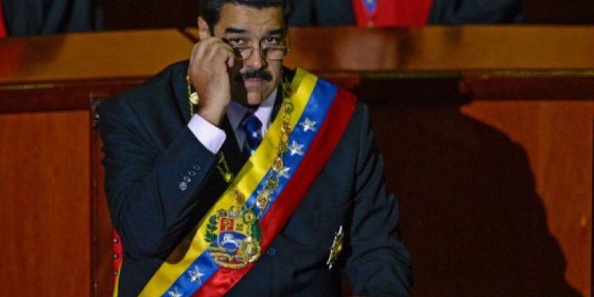 Grupo de venezolanos pide a parlamento indagar si Maduro es colombiano