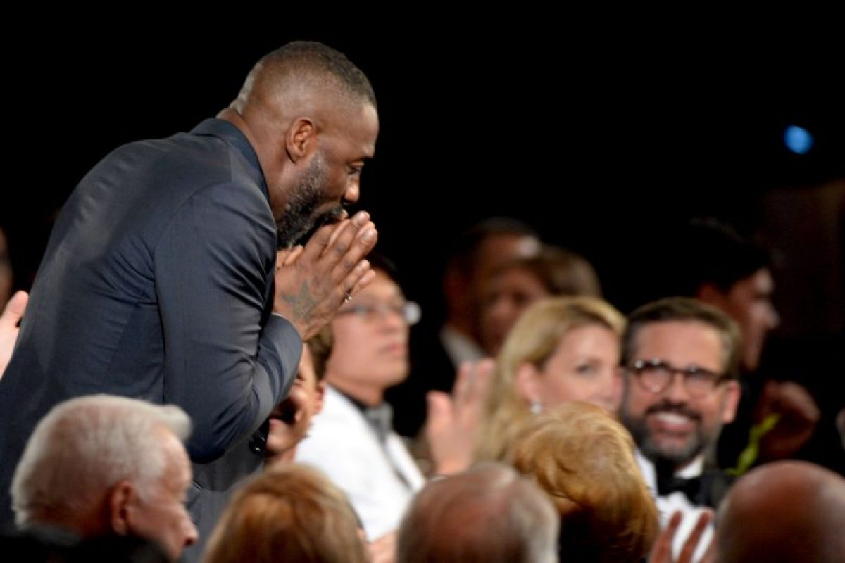 "Idris Elba ganó su segundo premio por ""Luther""; como John Luther. Foto:Getty Images. Imagen Por:"