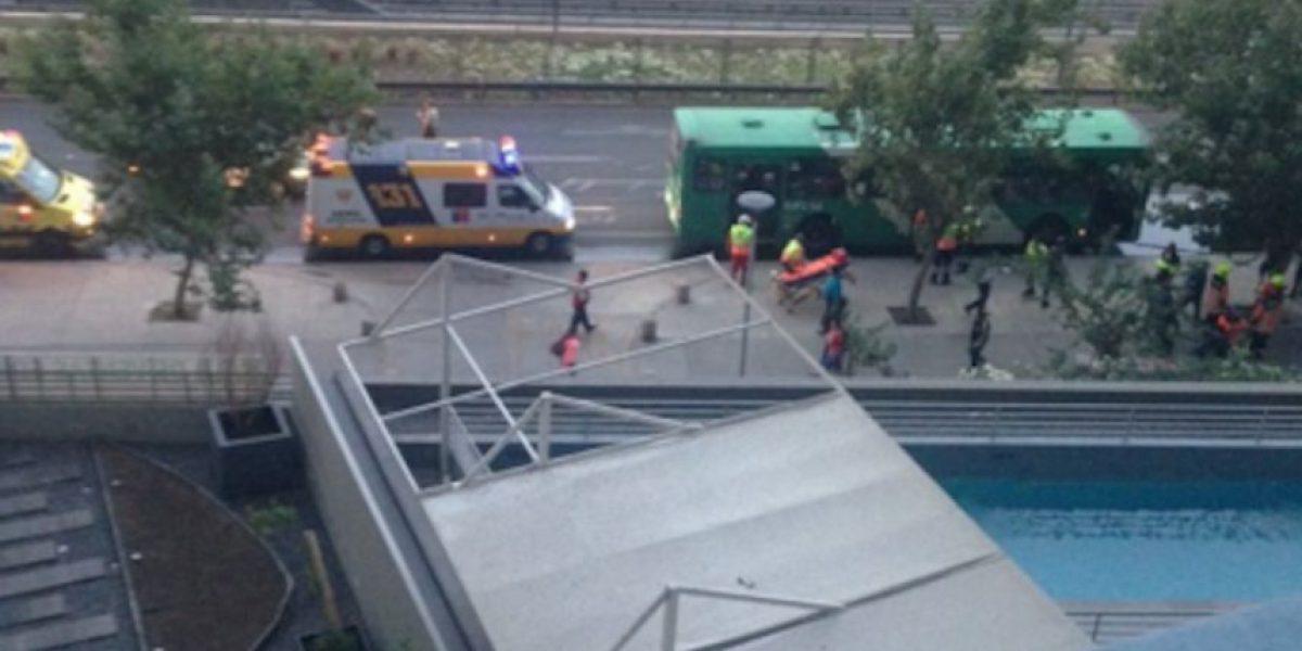 Cierran Manuel Rodríguez por choque de 3 buses del Transantiago