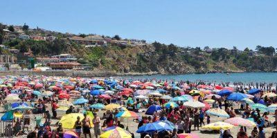 Cierran Playa Chica de Cartagena por presencia de fragata portuguesa