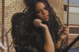 """En """"Bruta, ciega y sordomuda"""" hasta enfrentó una redada. Foto:vía Shakira/VEVO. Imagen Por:"""