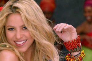 Bueno, ahora es más comercial. Foto:vía Shakira/VEVO. Imagen Por:
