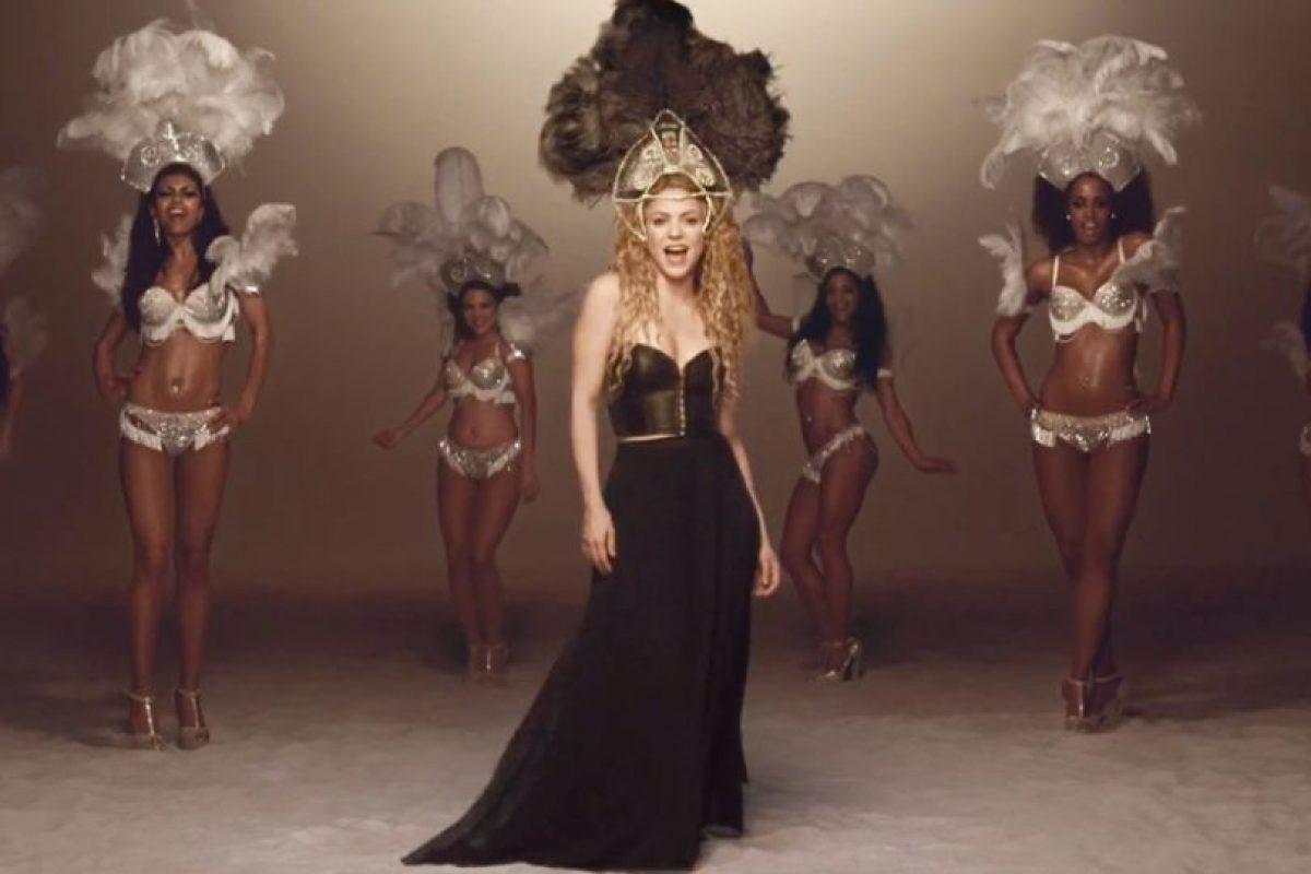 """Y luego mostró su (plagio) conceptual para """"La la la"""". Foto:vía Shakira/VEVO. Imagen Por:"""