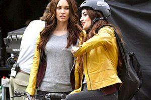 """Megan Fox y su doble en """"Tortugas Ninja"""" Foto:Vía teamfox.tumblr.com. Imagen Por:"""