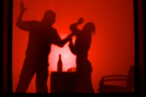 De acuerdo a Naciones Unidas, el término es utilizado para distinguir la violencia común de aquella que se dirige a individuos o grupos sobre la base de su género Foto:Flickr. Imagen Por: