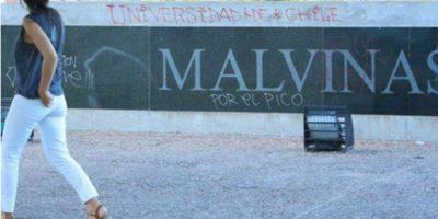 """Municipio de Rosario pide que hinchas de la """"U"""" reparen memorial de Las Malvinas"""