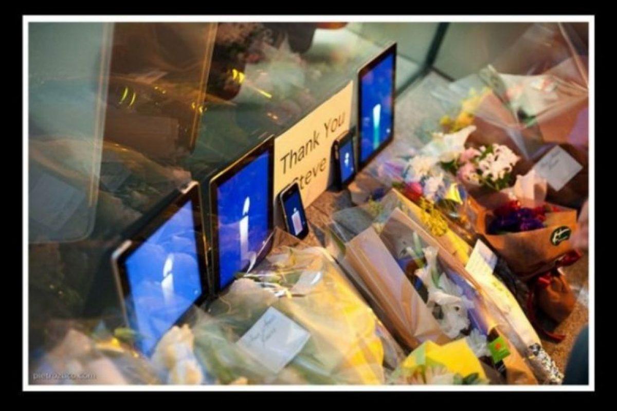 Todo el mundo le rindió tributo. Esta foto muestra algún lugar de Tokio. Foto:Vía Tumblr.com. Imagen Por: