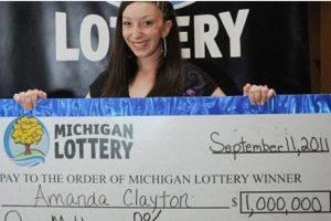 Amanda Clayton la millonaria típica. A sus 24 años ganó un millón de dólares jugando lotería en Michigan, Estados Unidos. Sin embargo, no le bastó y logró que el Gobierno le diera 5 mil 500 en vales de comida Foto:Pinterest. Imagen Por: