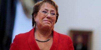 Adimark: Bachelet frena caída y sube a 28% de aprobación en enero