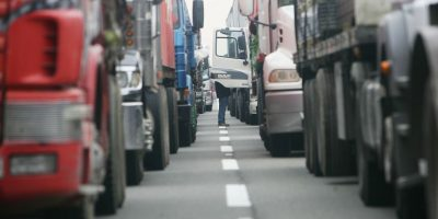 Valparaíso: camioneros protestarán por alza en precios de los peajes