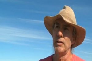 Glenn Martinson, padre del joven desaparecido. Foto:Reproducción / T13. Imagen Por: