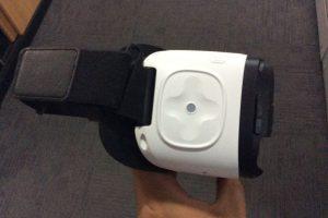 En el costado derecho del Gear VR, se ubican los controles. Foto:Publimetro / Víctor Jaque. Imagen Por: