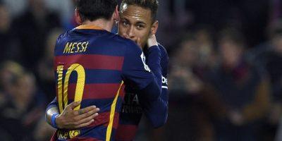Padre de Neymar reconoce millonaria oferta del United por su hijo