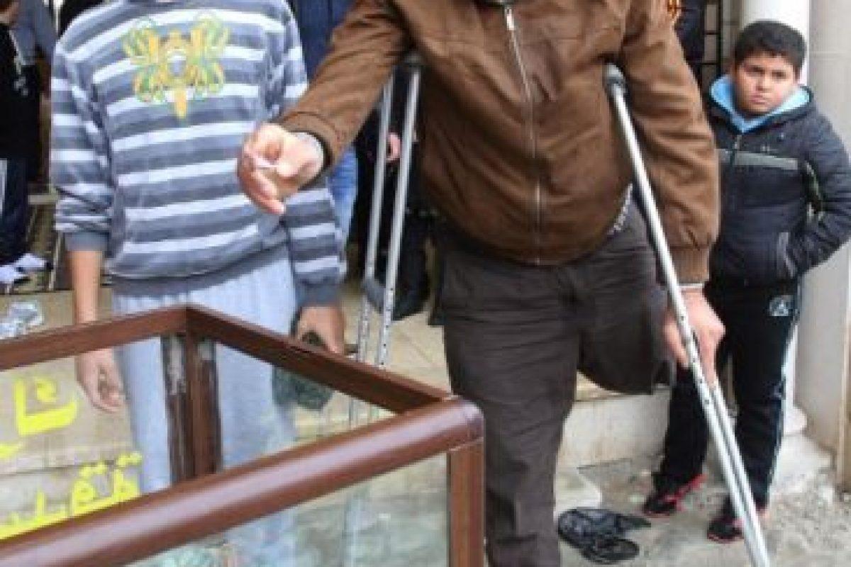 """El doctor Mohamad Youssef, actual gerente del consejo médico en Madaya, señaló al diario británico """"The Independent"""" que entre dos y tres residentes mueren diariamente de hambre. Foto:vía Twitter. Imagen Por:"""