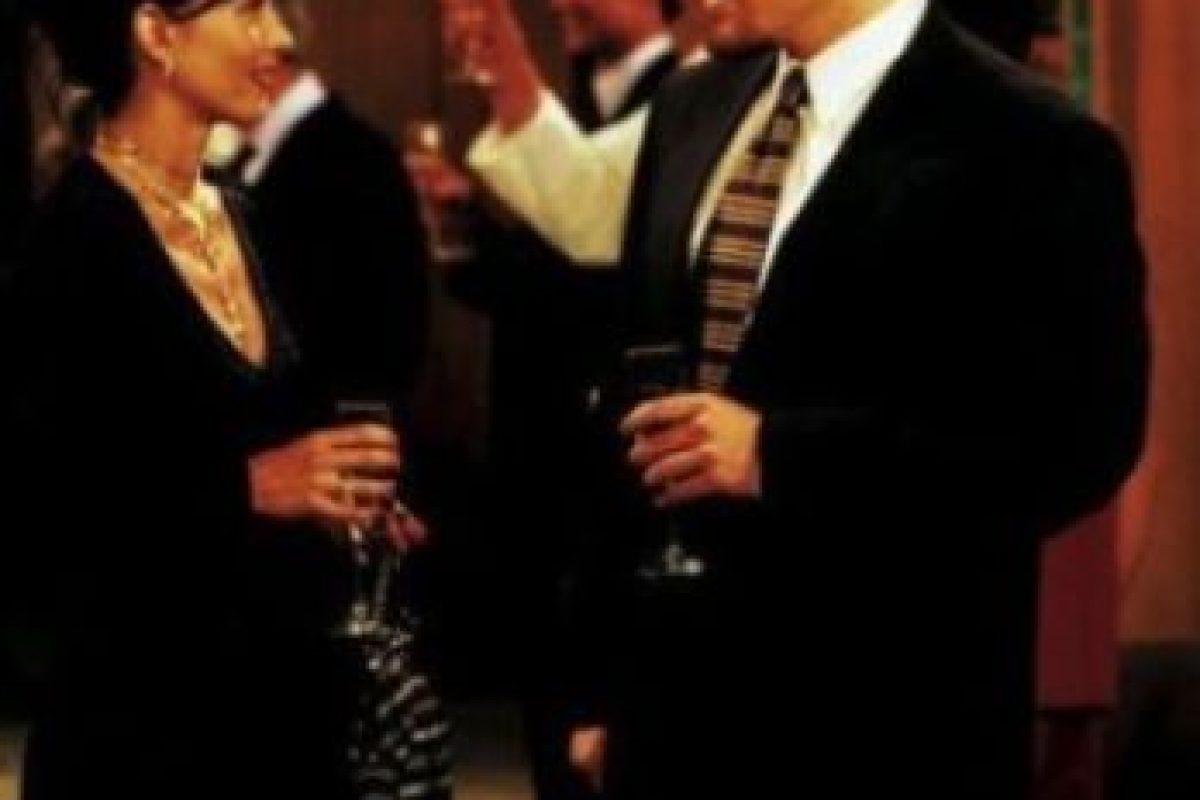 """Jon Favreau. Interpretó a """"Pete"""", el multimillonario que se enamoró de """"Mónica"""" Foto:Warner. Imagen Por:"""