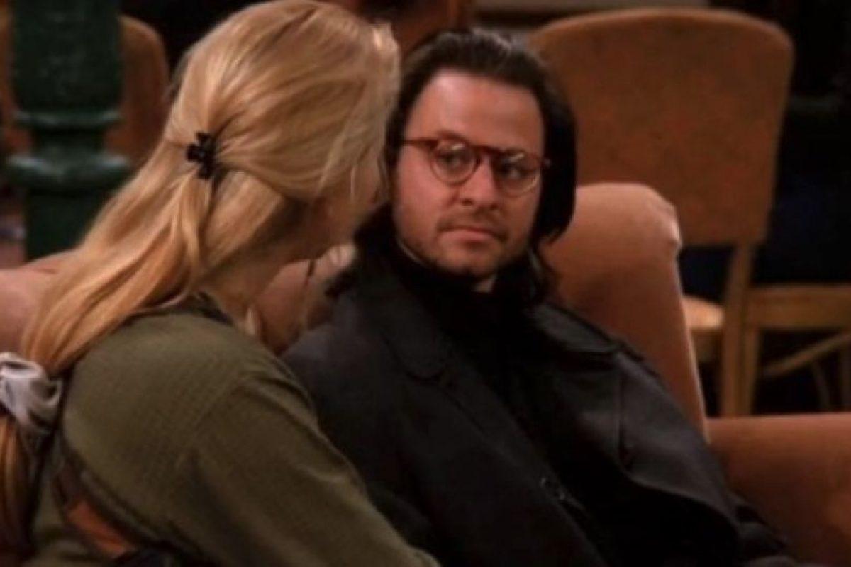 """Fisher Stevens Interpretó al novio psicólogo de """"Phoebe"""" Foto: vía facebook.com/friends.tv Foto:Warner. Imagen Por:"""