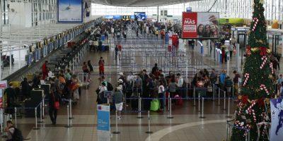 Elevado costo frenaría que aeropuerto de Santiago lleve el nombre de Pablo Neruda