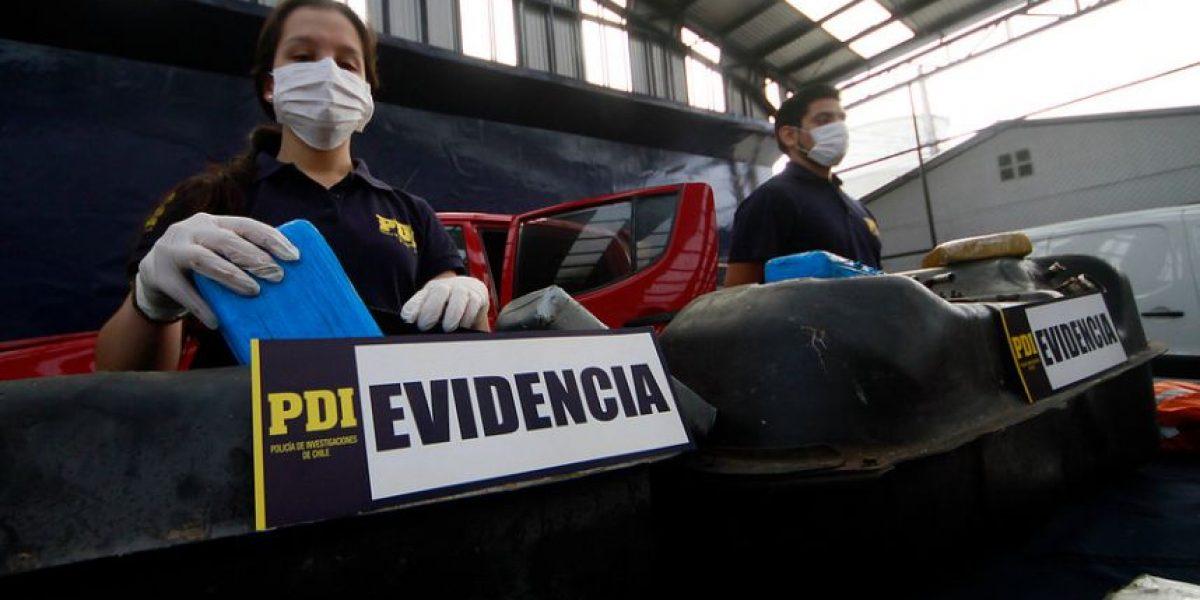 Detienen a banda que acondicionó dos autos para esconder 200 kilos de droga