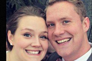 """""""Era la foto favorita de nuestra boda…"""", mencionó el esposo en su cuenta de Imgur. Foto:vía Imgur. Imagen Por:"""