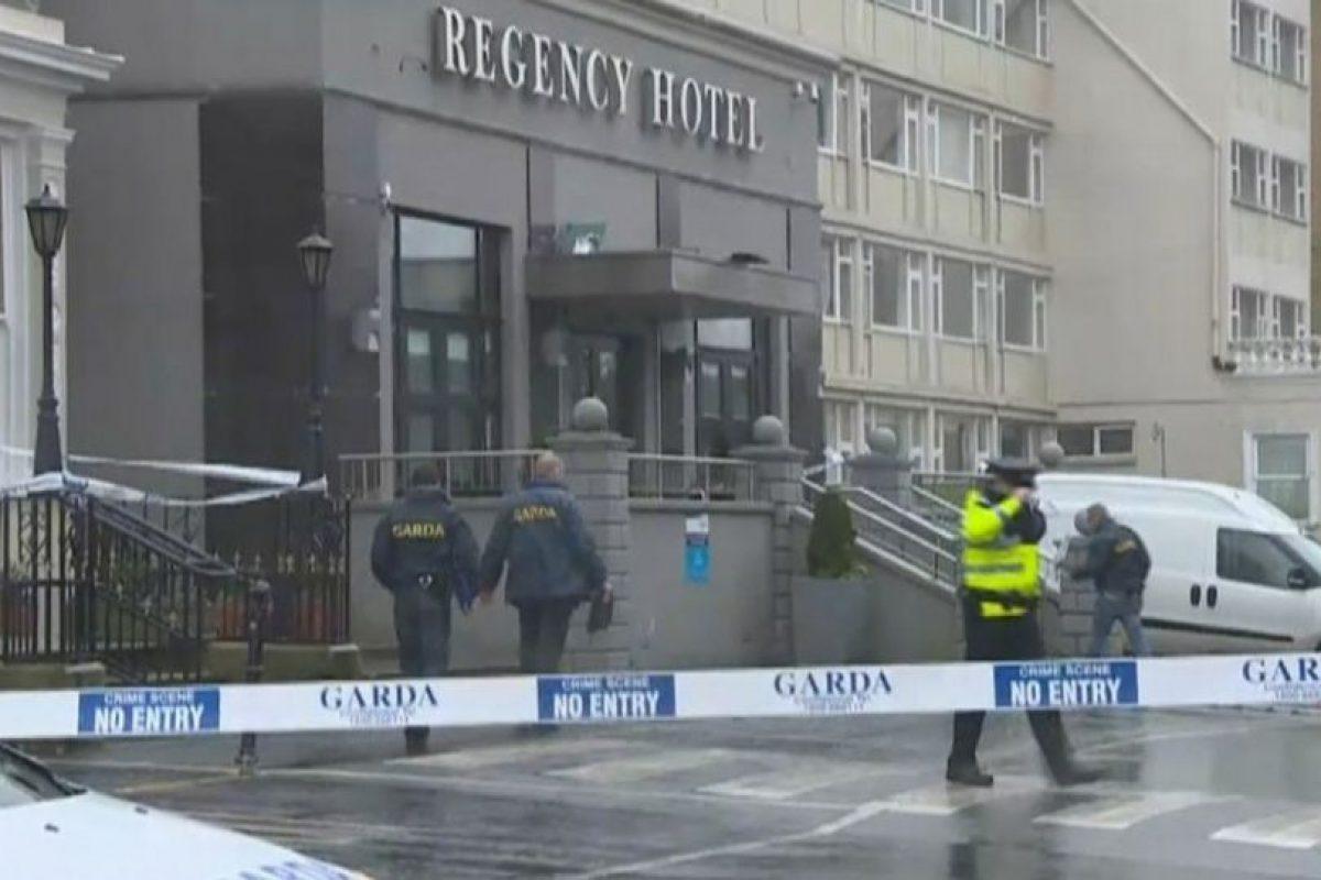 Testigos aseguran los atacantes estaban disfrazados de policías Foto:Vía Twitter. Imagen Por:
