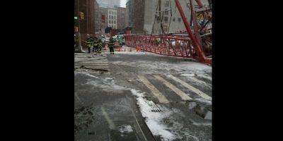 Un muerto y dos heridos tras colapso de grúa en Nueva York