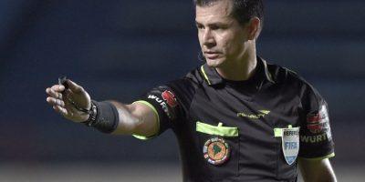 Un viejo conocido: árbitro ecuatoriano impartirá justicia a la U con River por la Copa