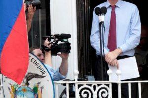 Lo hizo para evitar su detención y extradición a Suecia. Foto:Getty Images. Imagen Por: