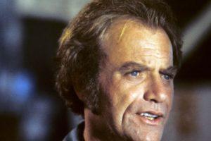 Vic Morrow fue decapitado filmando una película. Foto:vía Getty Images. Imagen Por: