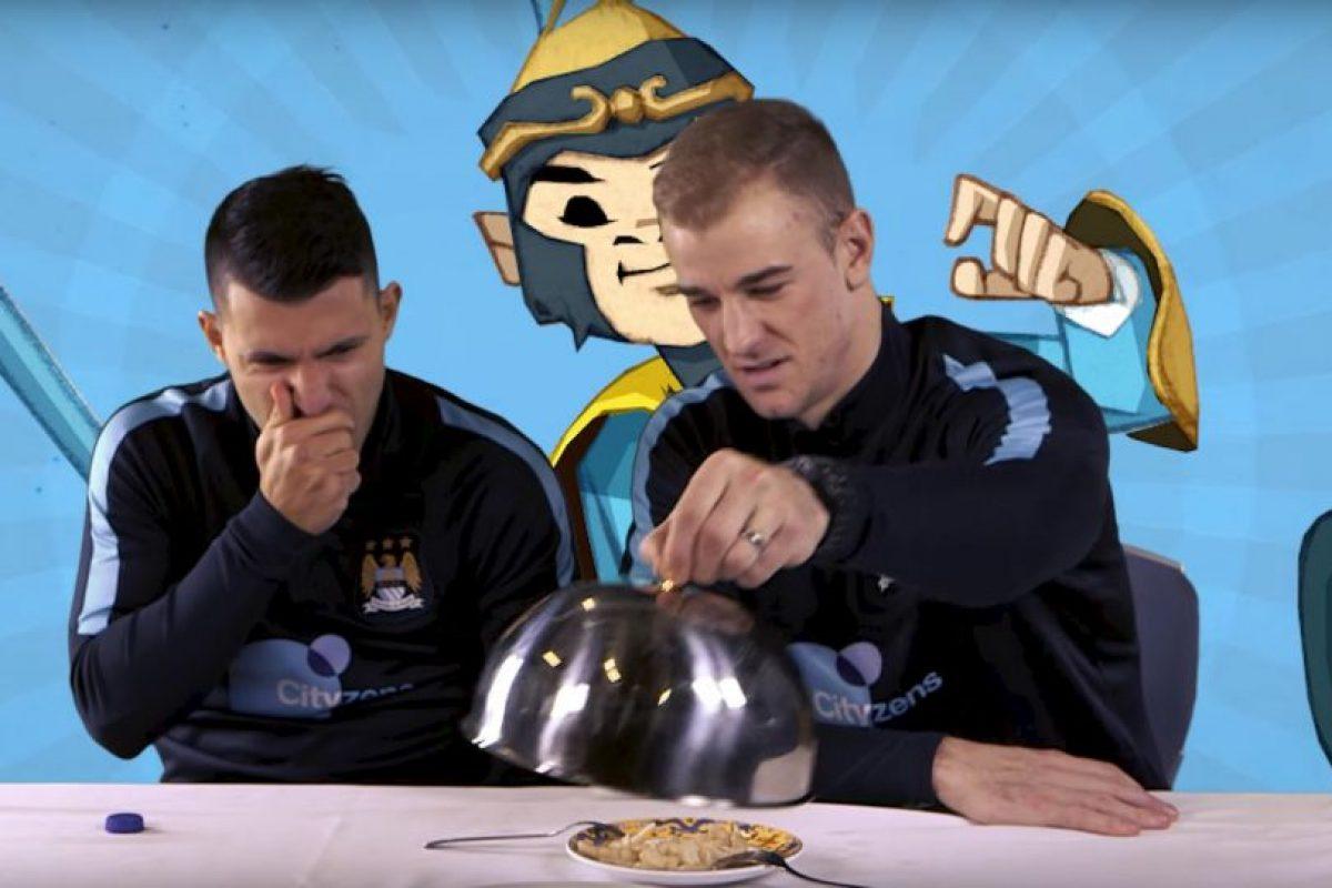 Para esto invitó a varios jugadores, entre ellos Sergio Aguero y Joe Hart. Foto:YouTube Manchester City FC. Imagen Por: