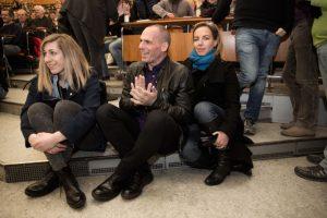 El ex ministro de Finanzas griego, junto a su familia Foto:AFP. Imagen Por: