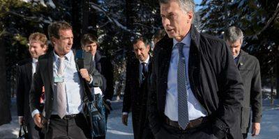 Argentina hace primera oferta formal a los fondos