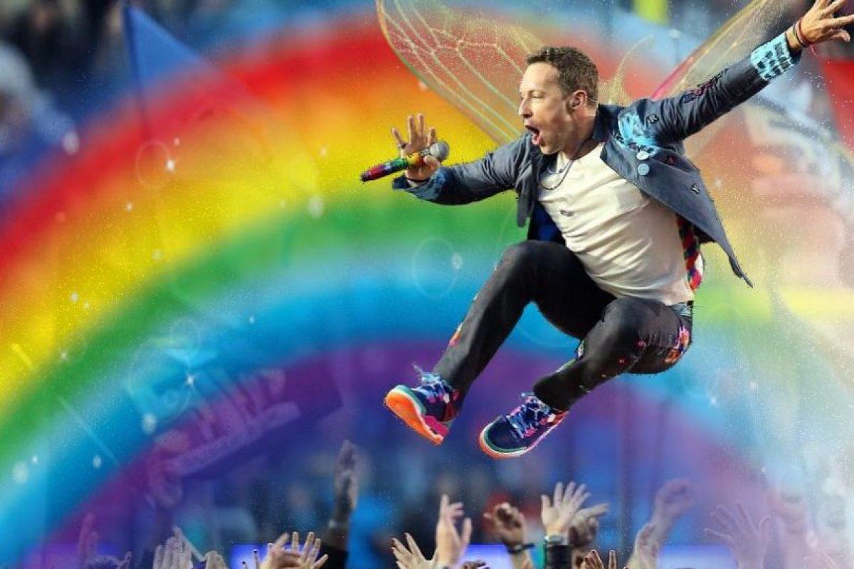 Con estas ediciones se burlaron de Chris Martin y su presentación en el show de medio tiempo del Super Bowl 50 Foto:Imgur / Reddit. Imagen Por: