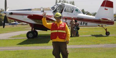 Ministro Burgos encabezó presentación de nuevos aviones de Conaf