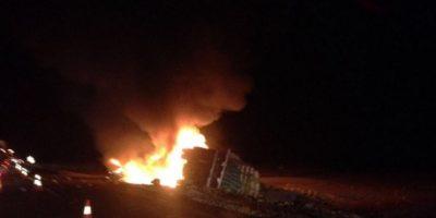 Antofagasta: choque entre camión y un auto deja a tres personas muertas