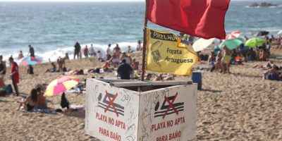 Aumentan a 12 las playas con prohibición de baño por fragata portuguesa